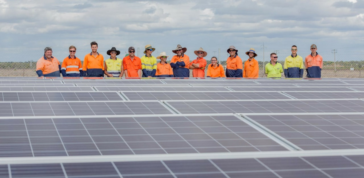 PIcture of the Meralli Solar Workforce at Dunblane Solar Farm Barcaldine Queensland